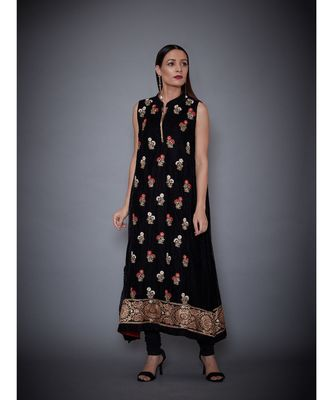 Ri Ritu Kumar Black Embroidered Velvet Kurta With Churidar & Inner