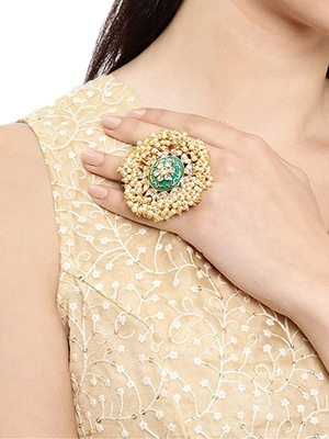 Green pearl rings
