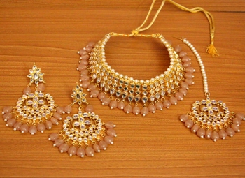Beige crystal necklace-sets