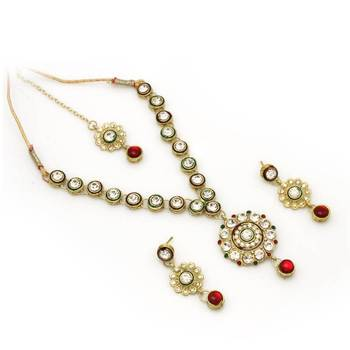 Delicate Necklace Set in White and Maroon