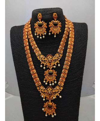 Multicolor studded jewellery necklace-sets
