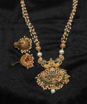 Green studded jewellery necklace-sets