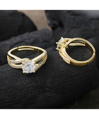 delicate smart look daimond golden  ring