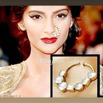 Gold kundan nose-ring