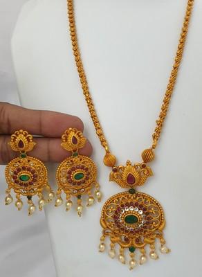 Gold spinel pendants