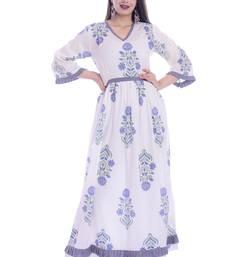 Women Floral Print Rayon Gown Kurta (White)