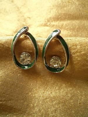 Green Stud Earrings-06101