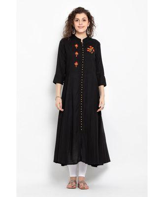 Black Rayon long flared kurta with three fourth sleeves