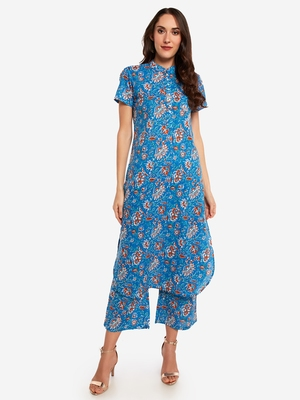 Blue Floral Printed kurta with Trouser.