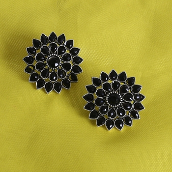 Unique Antiq Black Flower Studs
