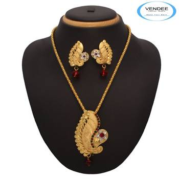 Vendee Fashion Handmade Gold Plated Pendant Set (7212)
