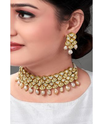 Traditional Earring & Necklace Set With Kundan & Pearls