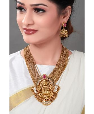 Traditional Gold Toned Necklace Set With Layered Chains For The Divine Touch