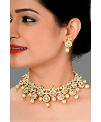 Traditional Earring & Necklace Set With Kundan, Enemaling &  Pearls