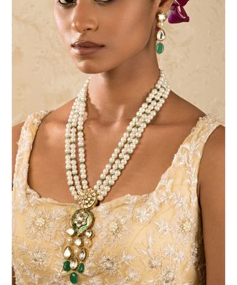 Classique Enamelled White And Green Enamelled Kundan And  Pearls Necklace And Earrings Set.