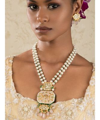 Ethnic Bling Enamelled White And Gold Kundan, Jade Drops,  Pearls Necklace And Earrings Set.