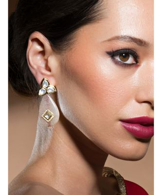 Elegant Golden Kundan Polki Earrings With Rose-Gold Agate Teardrops