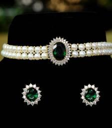 Green pearl chokers