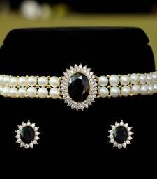 Black pearl chokers