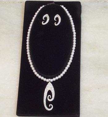 Elegant trendy zircon pearl set
