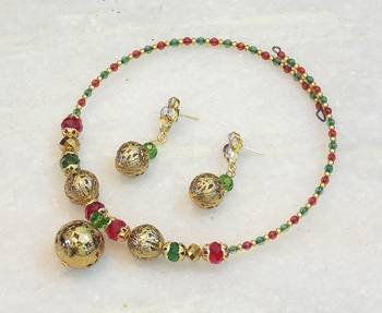 Exotic trendy colored stone necklace set
