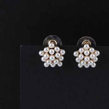 Party Wear Stylish Pearl Stud Earring For Women Girl