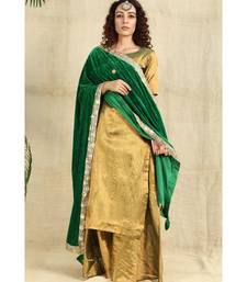 Green velvet duppatta with lace all over and pillow tassels