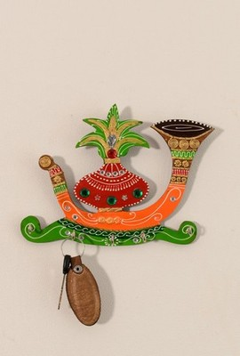 Papier-Mache Kalash Shehnai 5 Hooks Key holder