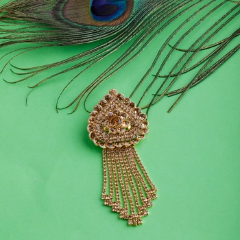 Traditional Gold Plated Exlusive Golden Diamond Studded Designer Wedding Brooch For Unisex Jewellery