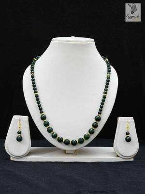 Ultimate Green DEsire Neck Piece & Earring