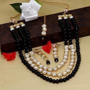 Black necklace-sets