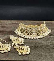 Gold Plated Stone Studded Choker Set