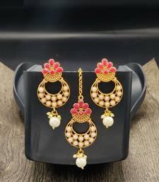 Stone Studded Designer Maang Tikka With Earring Set