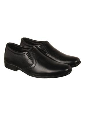 Vardhra Men's black Genuine Leather Party Slip On Formal Shoes
