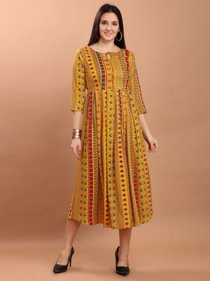 Sajnee Women's Yellow Printed Rayon Flared Kurta