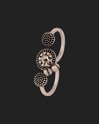 Taal Mridang Two-Finger Statement Ring