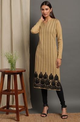Janasya Women's Beige Woolen Kurta