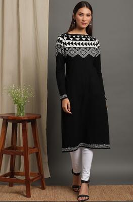 Janasya Women's Black Woolen Kurta
