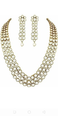 Gold  Alloy Kundan Necklace Set with Earrings for Women