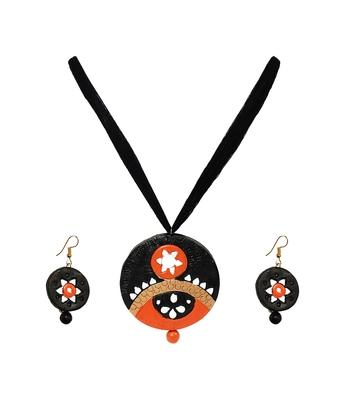 Black terracotta-jewelry