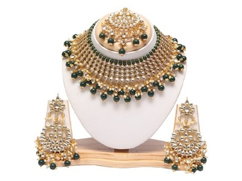Gold Plated Green Colour Bridal Pearls Kundan Necklace Jewellery Set for Women