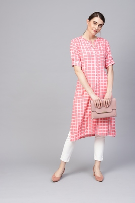 Myshka Women's Pink  Printed Rayon Half Sleeve Round Neck Kurti