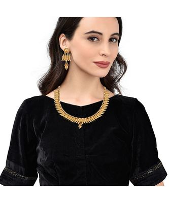 Gold Plated Traditional South Indian Necklace Set For Womens