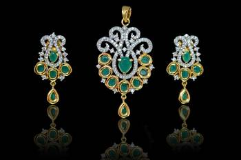 Good Quality Indian style  Green pendant set