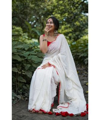 White Weaving Work Cotton Handloom Saree With blouse piece