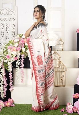 Offwhite Handloom Cotton  Saree With Multi Color Motifs And Pallu
