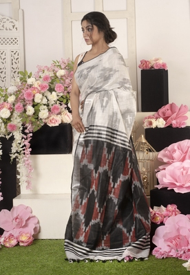 Ivory Ikkat Saree With Red And Blackpallu