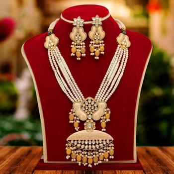 Peach necklace-sets