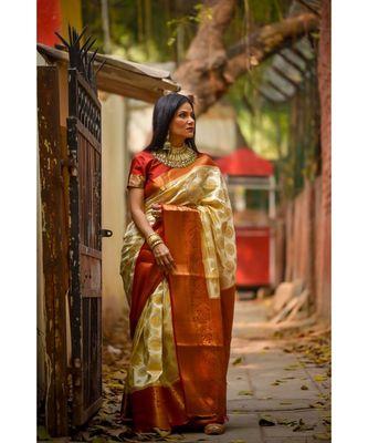 Fab Woven White Banarasi Silk Jacquard Saree With Blouse Piece