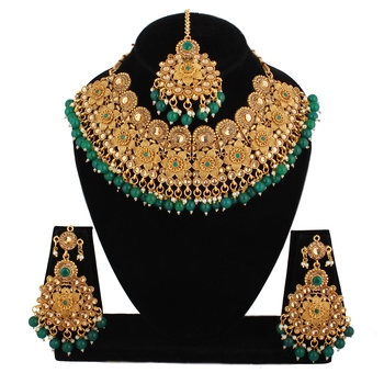 Green cubic zirconia necklace-sets